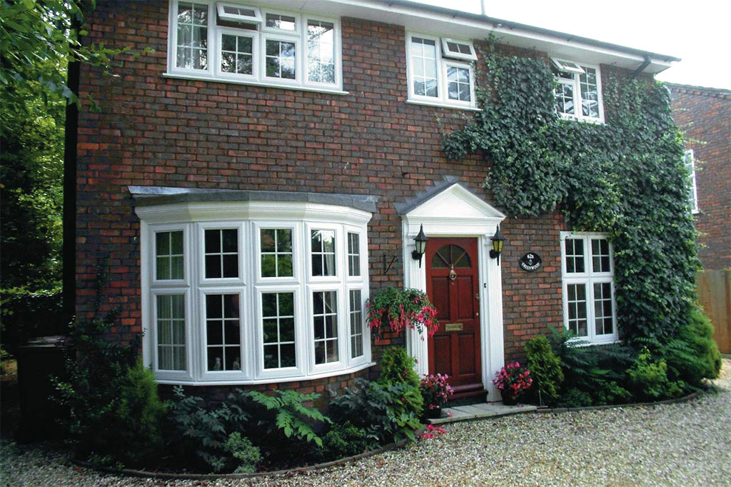 Upvc bow windows bay windows upvc double glazing for Extension maison bow window
